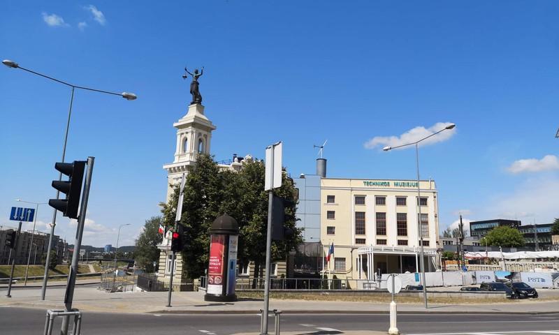 VASAROS GIDAS. Energetikos ir technikos muziejus.