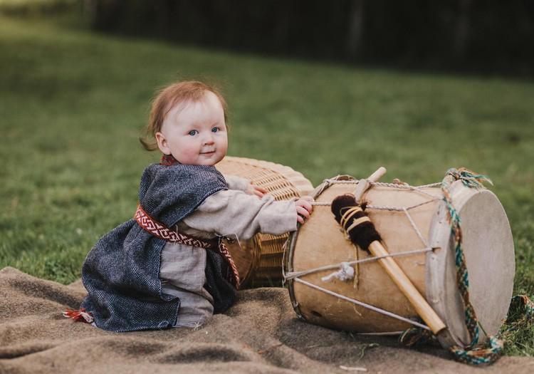 Mamų dainos - kelias į sąmoningesnę motinystę