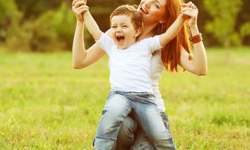 """Kaip lengviau mažyliui pasakyti """"ate"""": pataria psichologė"""