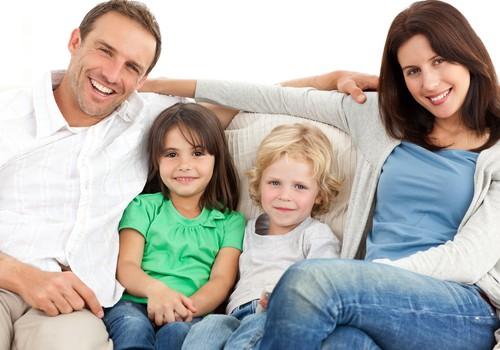 Vaikams tėvų reikia labiau nei bendraamžių