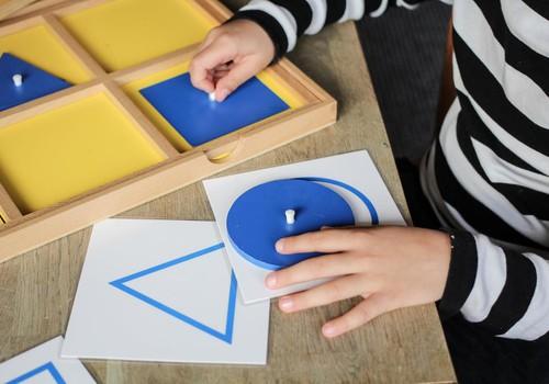Ar turite namie geometrinių figūrų komodą?