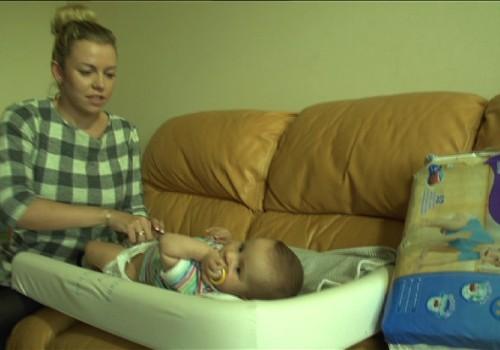 Kinezitarepeutė: pagalvėmis ramstyti vos sėdinčio mažylio negalima!
