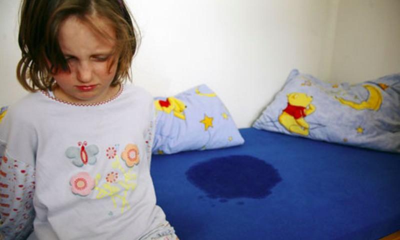 Vaikas reguliariai šlapinasi į lovą? Pagalbos ieškok Vaikuenureze.lt