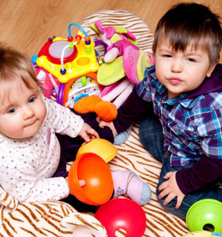 """Brolis ir sesutė pešasi? Psichologė: """"Sveikiname! Jūs turite vaikų!"""" :)"""