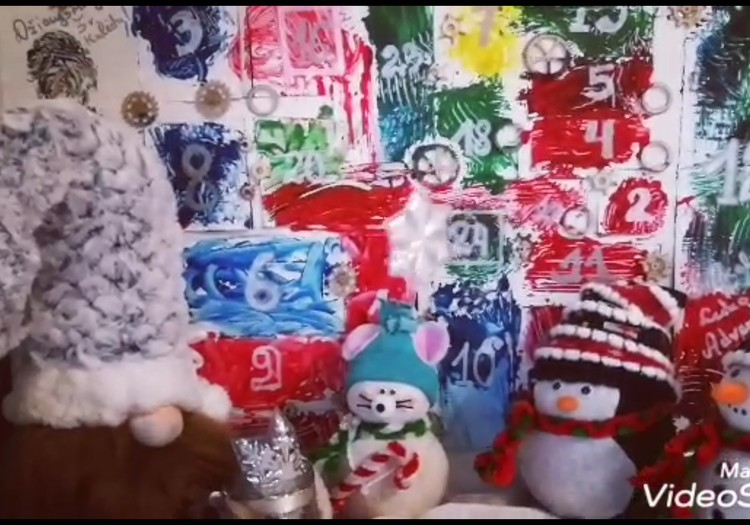 Kalėdų pasaka. Video