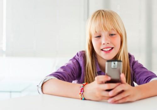 Vaikas sulaužė išmanųjį: 6 teisingi tėvų elgsenos žingsniai