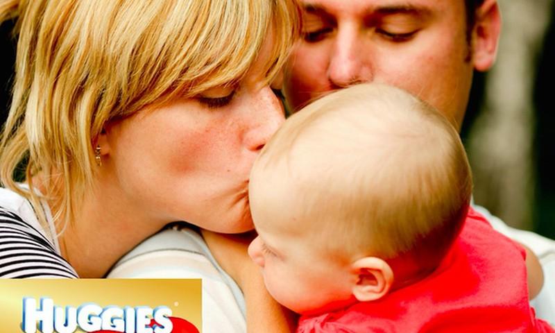 Meilės kalbos: Kuo vaikui svarbūs prisilietimai?