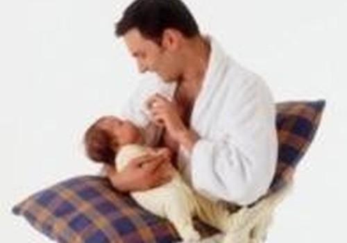 Tėčiai motinos ir vaiko kambaryje jaučiasi kaip nesavi