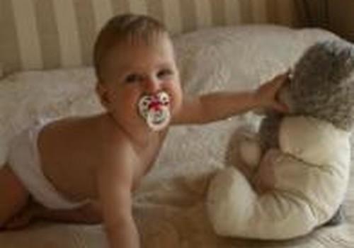 Kaip teisingai valyti kūdikio ausytes