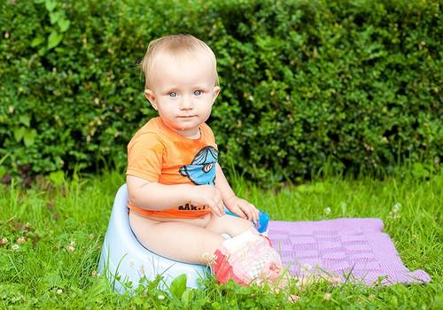 APKLAUSA: Kaip Tavo mažylis pratinasi prie puoduko?