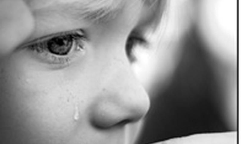 Kaip galime padėti vaikui, išgyvenančiam sunkius jausmus