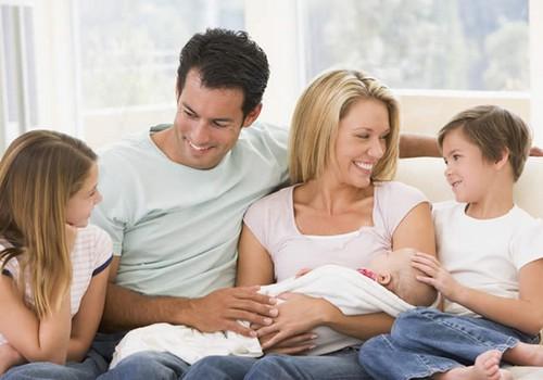 Ką išgyvena vyresnėlis, gimus sesutei ar broliukui