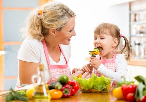 Apklausa: Kur ieškote informacijos apie vaikų maisto prekes?