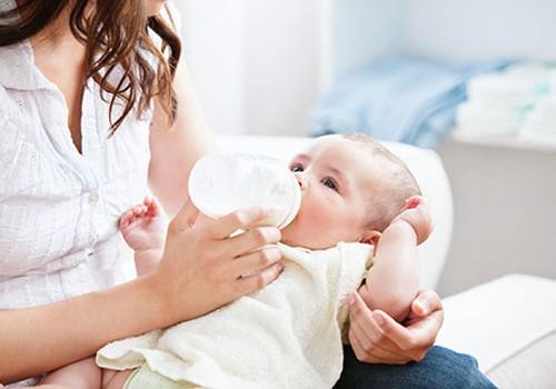 Kaip šaldyti mamos pieną?