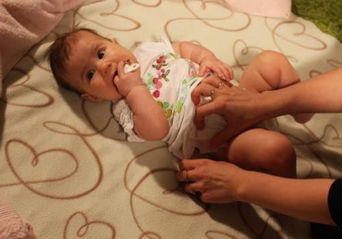 Ar vadovaujatės prietarais, augindamos mažylius?