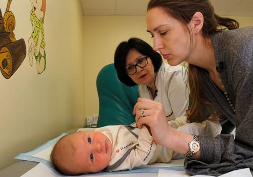 """Pediatrė: """"Sverti kūdikio kasdien tikrai nereikia"""""""