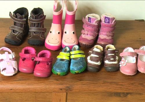 Kokius ir kada pirmuosius batukus apavėte savo vaikui?