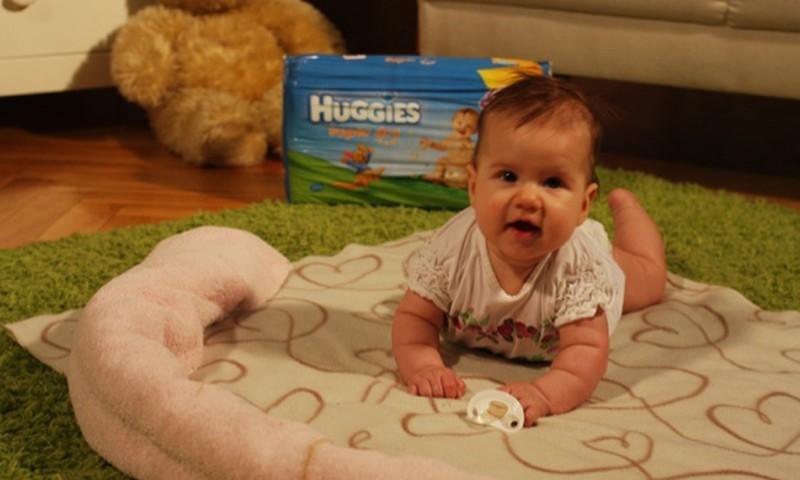 LIEPOS PROJEKTAS: Augame ir žaidžiame kartu su Huggies Super Dry!