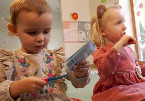 VIDEO: Kaip sudominti vaikus valytis dantukus