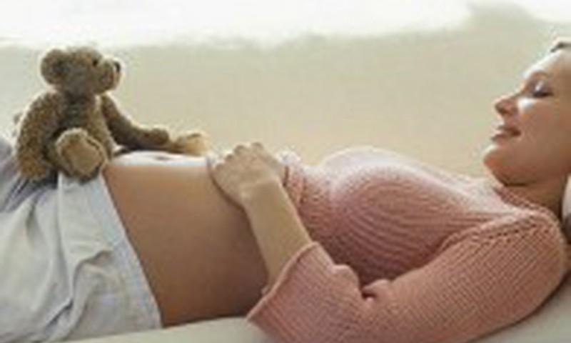 7 kosmetikos priemonės, kuriomis nesinaudokite nėštumo metu