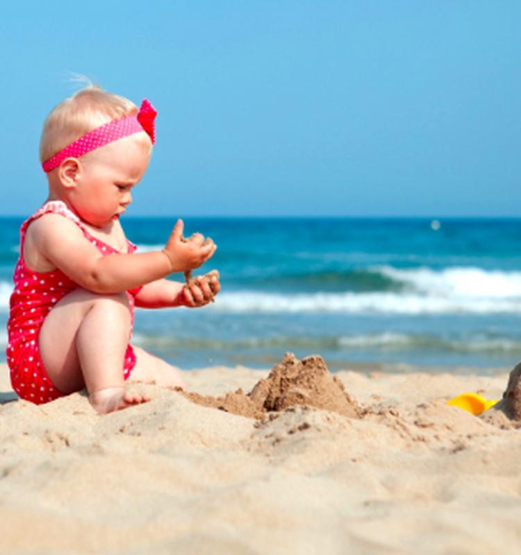 Su kūdikiu - pajūryje: ką atminti?