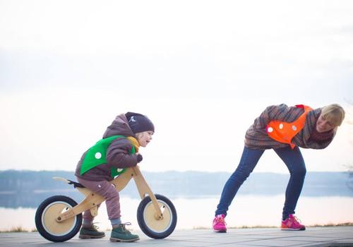 Žaismingos liemenės vaikams: kaip suderinti nuotykius ir saugumą