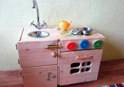 Pasigaminkite vaikišką virtuvėlę