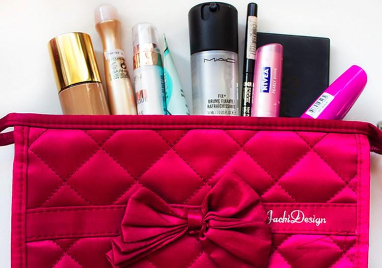 Ką patartina turėti savo kosmetikos krepšelyje?