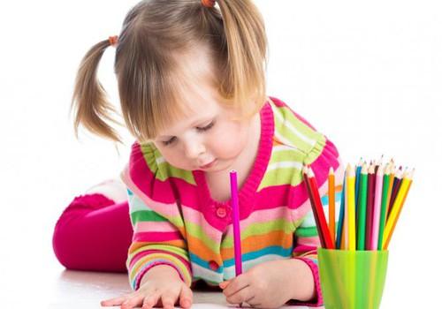 Iš kur atsiranda kairiarankiai vaikai ir ką daryti?