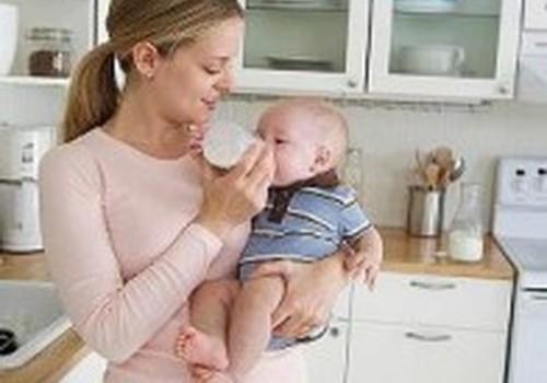 Kiek kartų per parą turėtų valgyti 2 mėnesių kūdikis?