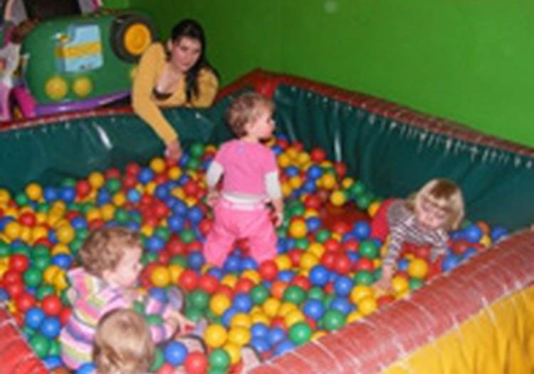 Mažyliai prisimins kamuoliukų vonias, šokoladinius kiaušiukus, draugų šypsenas...
