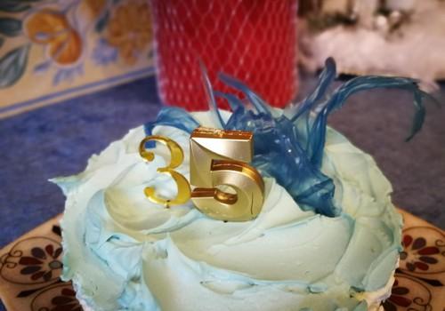 Įdomi torto dekoracija