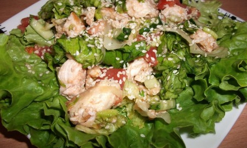 Švelnios vištienos salotos
