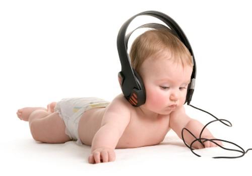 Ar klausote su mažyliu klasikinės muzikos? Pasikalbėkime apie tai laidoje