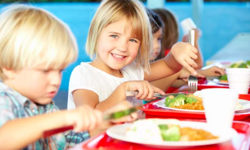 Mokykla nepakeis vaikų mitybos įpročių
