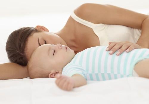 Miegas, kai laukiesi ar esi mama: kaip kokybiškai pailsėti?