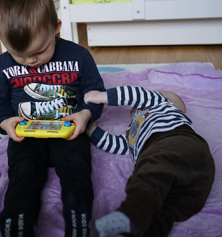 Du mažyliai namuose: ir vėl apie miegą