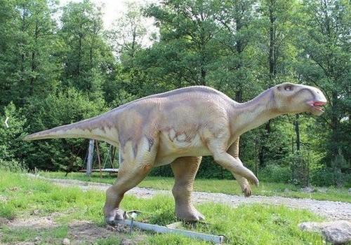 Kuris dinozaurų parkas yra geresnis - šalia Klaipėdos ar Vilniaus?