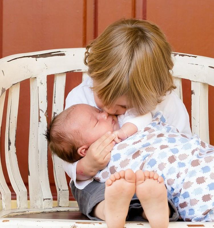 Kai į šeimą atkeliauja antras vaikas: psichologės komentaras