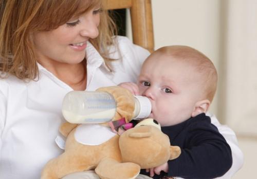 Ar duoti kūdikiui atsigerti vandens tarp maitinimų?