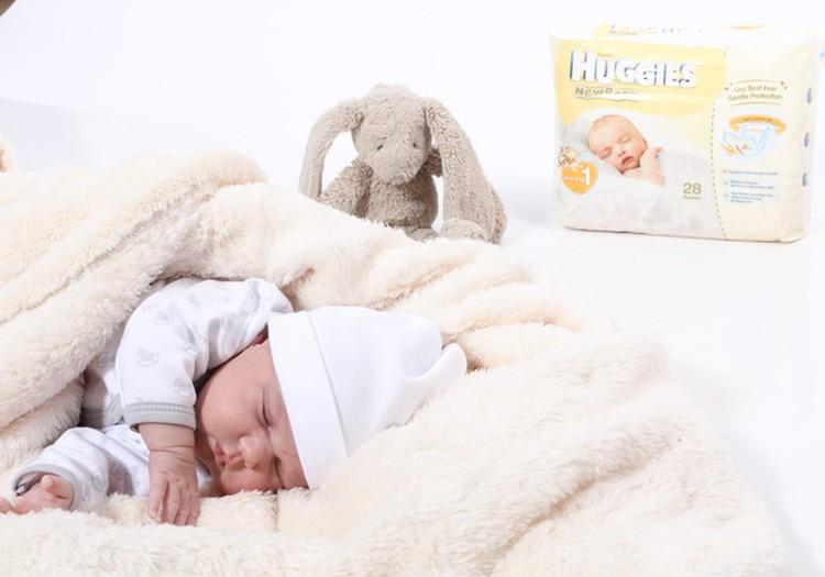 7 kūdikio savaitė: mažylis gerai laiko galvytę