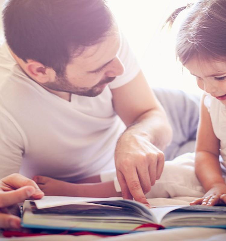 Skaitymo garsiai nauda vaikui yra didesnė, nei įsivaizduojame