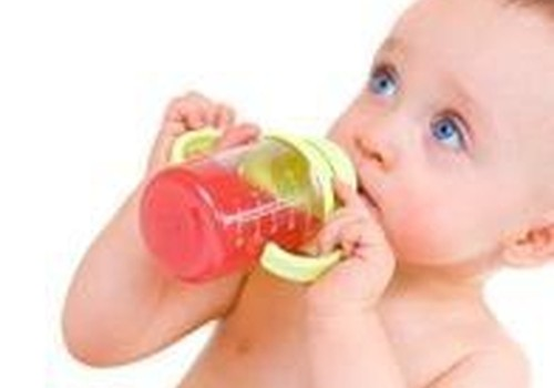 Koks tinkamiausias gėrimas mažyliui naktį?